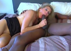 Hotwife Sees Wifey Shag Big black cock..
