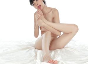 chinese female deepthroat herself toes..