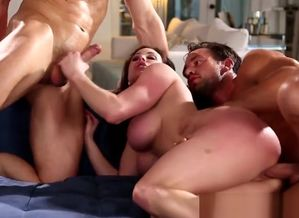 Glamcore chesty cougar rode firm in..
