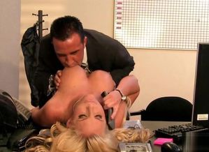 Blondie Milf wants some Wood at work