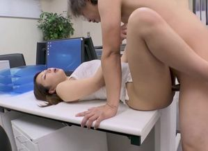 chinese office lady deep-throat and..